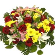Basket of 15 roses, 5 chrysanthemums, 6 alstroemeria and 1 lily - flowers and bouquets on 7roz.kiev.ua