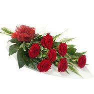 Букет цветов из 7 красных роз - цветы и букеты на 7roz.kiev.ua