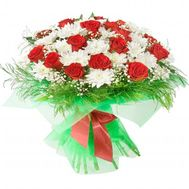 Bouquet of flowers from 24 roses and 21 chrysanthemums - flowers and bouquets on 7roz.kiev.ua