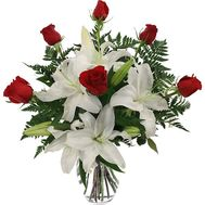 Bouquet of flowers from 6 roses and 1 lily - flowers and bouquets on 7roz.kiev.ua