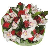 Bouquet of 15 roses and 11 orchids - flowers and bouquets on 7roz.kiev.ua