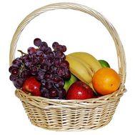 Корзина с фруктами - цветы и букеты на 7roz.kiev.ua
