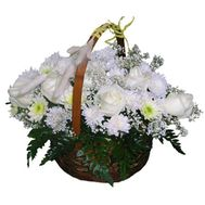 Basket of 7 roses and 10 chrysanthemums - flowers and bouquets on 7roz.kiev.ua