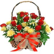 Basket of 25 multi-colored roses - flowers and bouquets on 7roz.kiev.ua