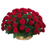 Корзина из 51 красной розы - цветы и букеты на 7roz.kiev.ua