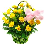 Basket of 23 yellow roses - flowers and bouquets on 7roz.kiev.ua