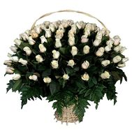 Кошик з 101 імпортної троянди - цветы и букеты на 7roz.kiev.ua