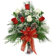 Winter bouquet of flowers from roses and spruce - flowers and bouquets on 7roz.kiev.ua