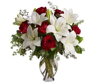 """""""Букет цветов из 7 роз и 2 лилий"""" в интернет-магазине цветов 7roz.kiev.ua"""
