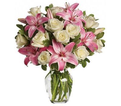 """""""Букет цветов из 13 роз и 2 лилий"""" в интернет-магазине цветов 7roz.kiev.ua"""