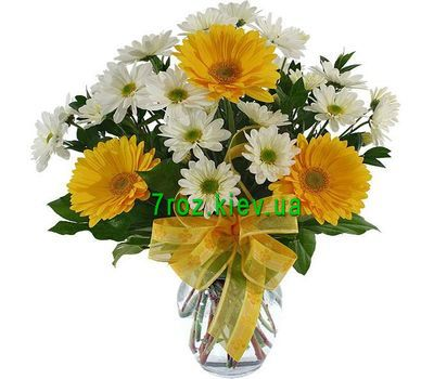 """Bouquet of 3 gerberas and 4 chrysanthemums"" in the online flower shop 7roz.kiev.ua"