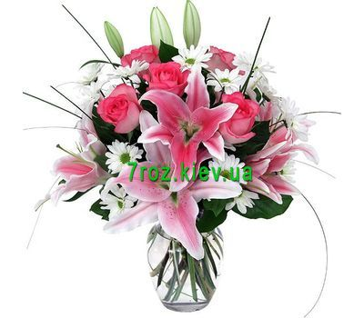 """Bouquet of flowers from 2 lilies, 6 roses and 5 chrysanthemums"" in the online flower shop 7roz.kiev.ua"