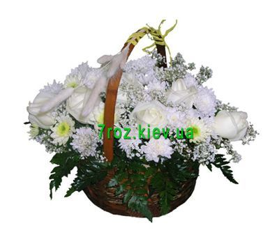 """""""Basket of 7 roses and 10 chrysanthemums"""" in the online flower shop 7roz.kiev.ua"""