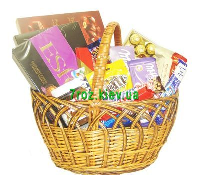 """Basket of sweets with sweets, chocolate"" in the online flower shop 7roz.kiev.ua"