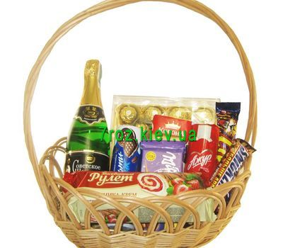 """Gift basket with sweets"" in the online flower shop 7roz.kiev.ua"