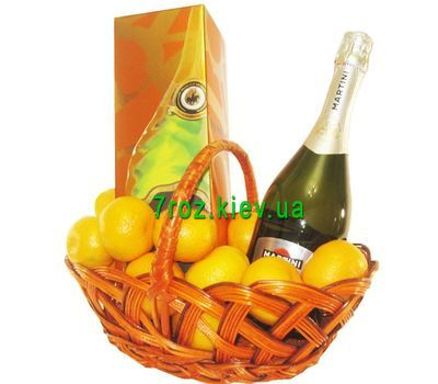 """Gift basket with elite champagne"" in the online flower shop 7roz.kiev.ua"
